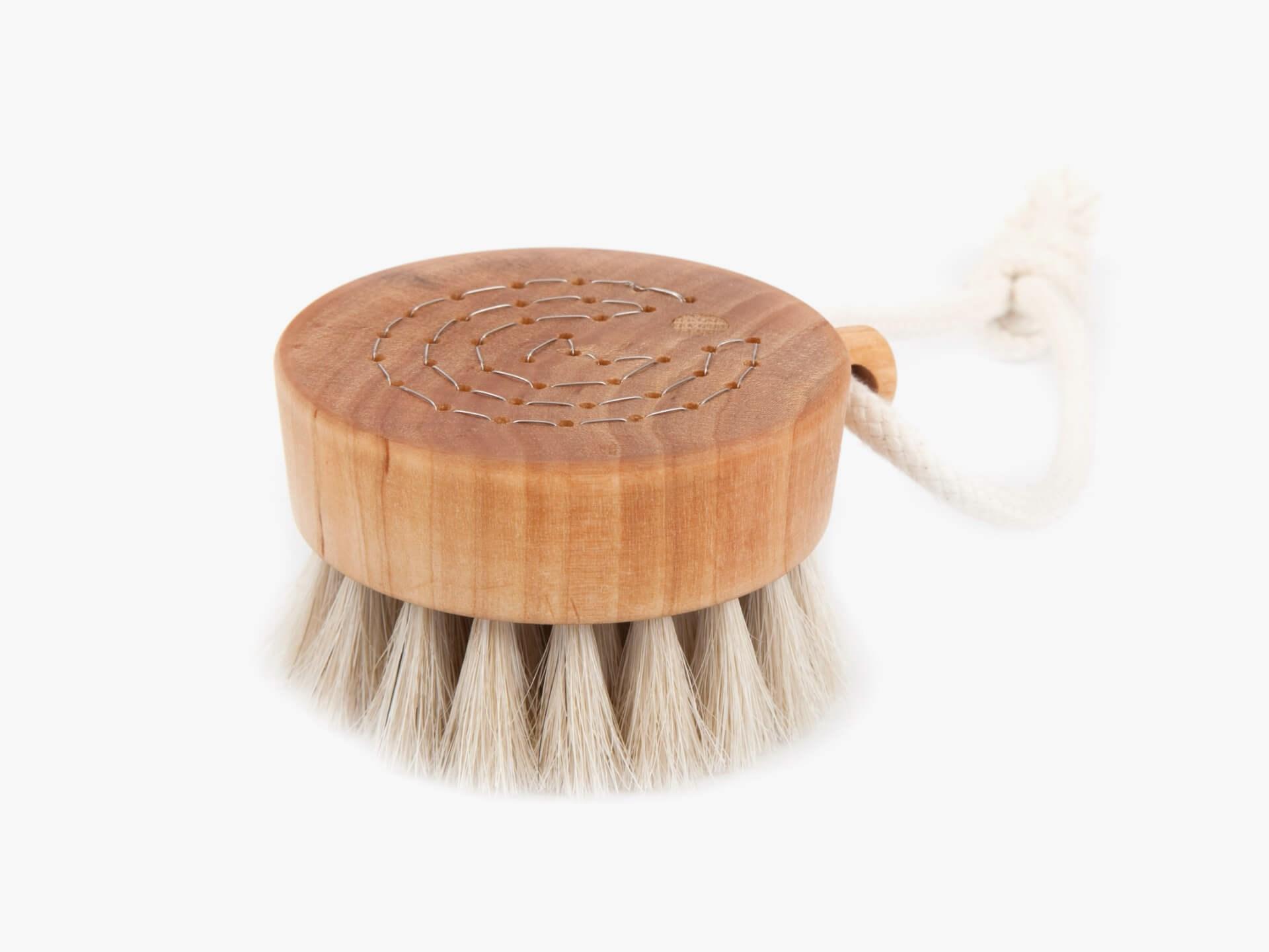 Iris Hantverk Bath brush puck